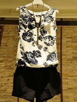 【衣韓館】歐美風碎花雪紡衫+顯瘦短褲+腰帶↘$388