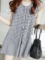 黑白格紋排扣雙口袋背心裙洋裝