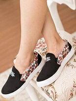 【格子舖】 花布彩繪拼接時尚帆布鞋