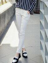 【東京著衣】雙釦飾素色斜紋彈力窄管褲↘$178