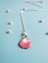 ::C%手工飾品::粉紅花瓣加珍珠款 (琺瑯項鍊 + 925純銀鍊子)