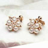 珍珠花牌情緣 夾式耳環-精品,包包,行李箱,配件,名牌