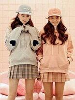 徽章連帽刷毛大學T-女裝,內衣,睡衣,女鞋,洋裝